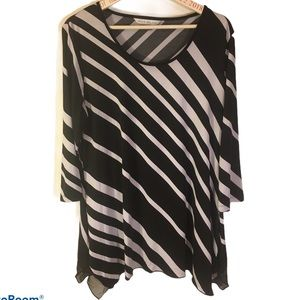 Black and white pullover tunic Nice